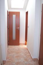 Místo dveří na balkon vznikla chodba... 1.9.2010