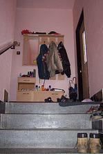 Pohled ze spod schodiště 30.6. 2009