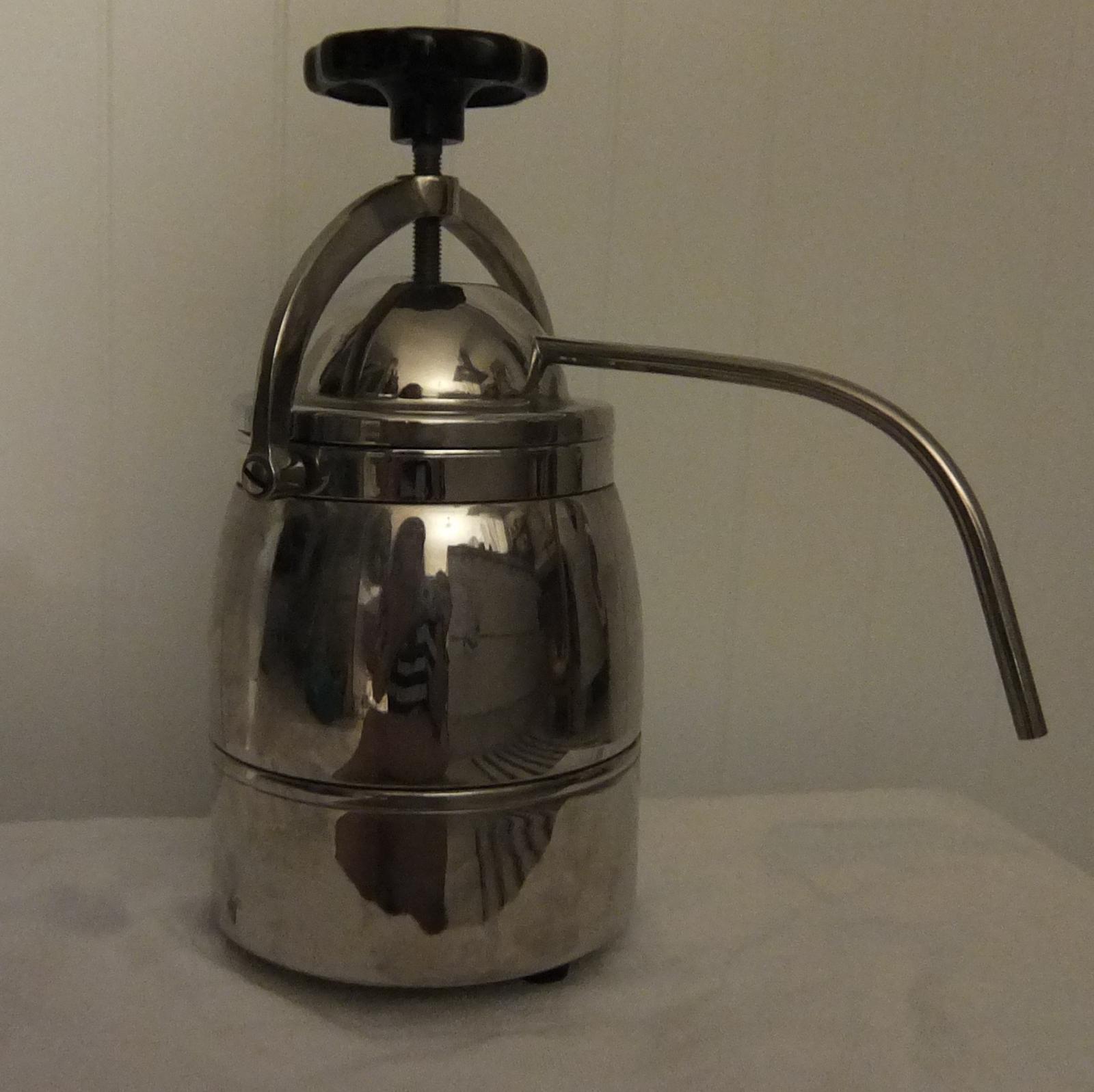 Kávovar - nerezový - Obrázok č. 1