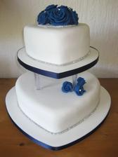 Svadobná tortička14 viem že ich je vela ale to je hlavne pre hostí