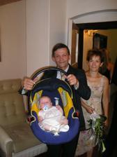 otec a matka nevěsty s Adélkou