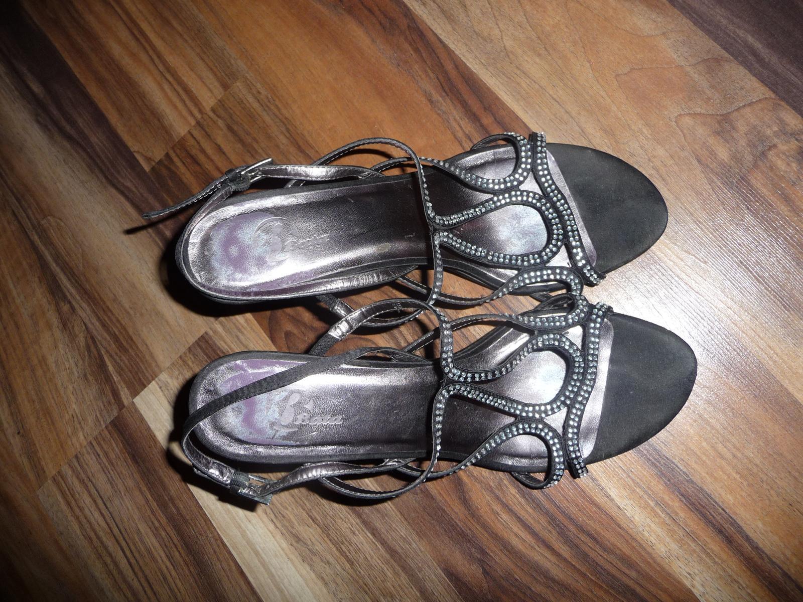 sandalky s kamienkami - Obrázok č. 1