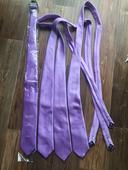 Lila/fialové kravaty,
