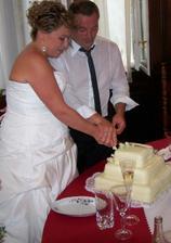 krajeni dortu a poradne brisko po obede(7 mesic) :-))