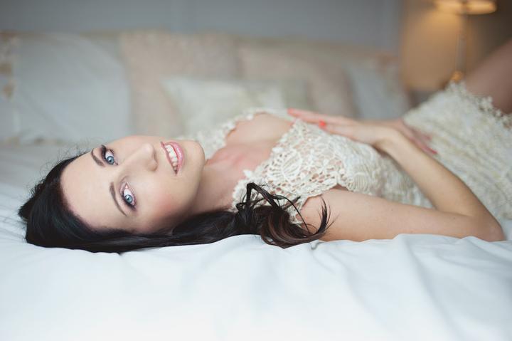 Láska na sklonku leta Veroniky  {{_AND_}}Lukáša - Všetko to začalo prípravným boudoir svadobným fotením :-) fotila Lucie Schweinerová
