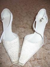 botičky mám půjčené od kamarádky Janči, která se v nich vdávala loni