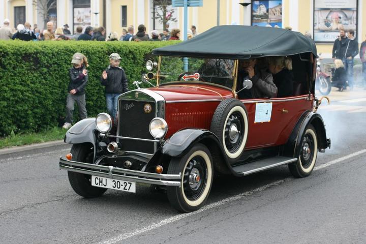 Inspirace, plány...i to co už máme  :-) - ....tak tohle krásné autíčko mě poveze.... :-)