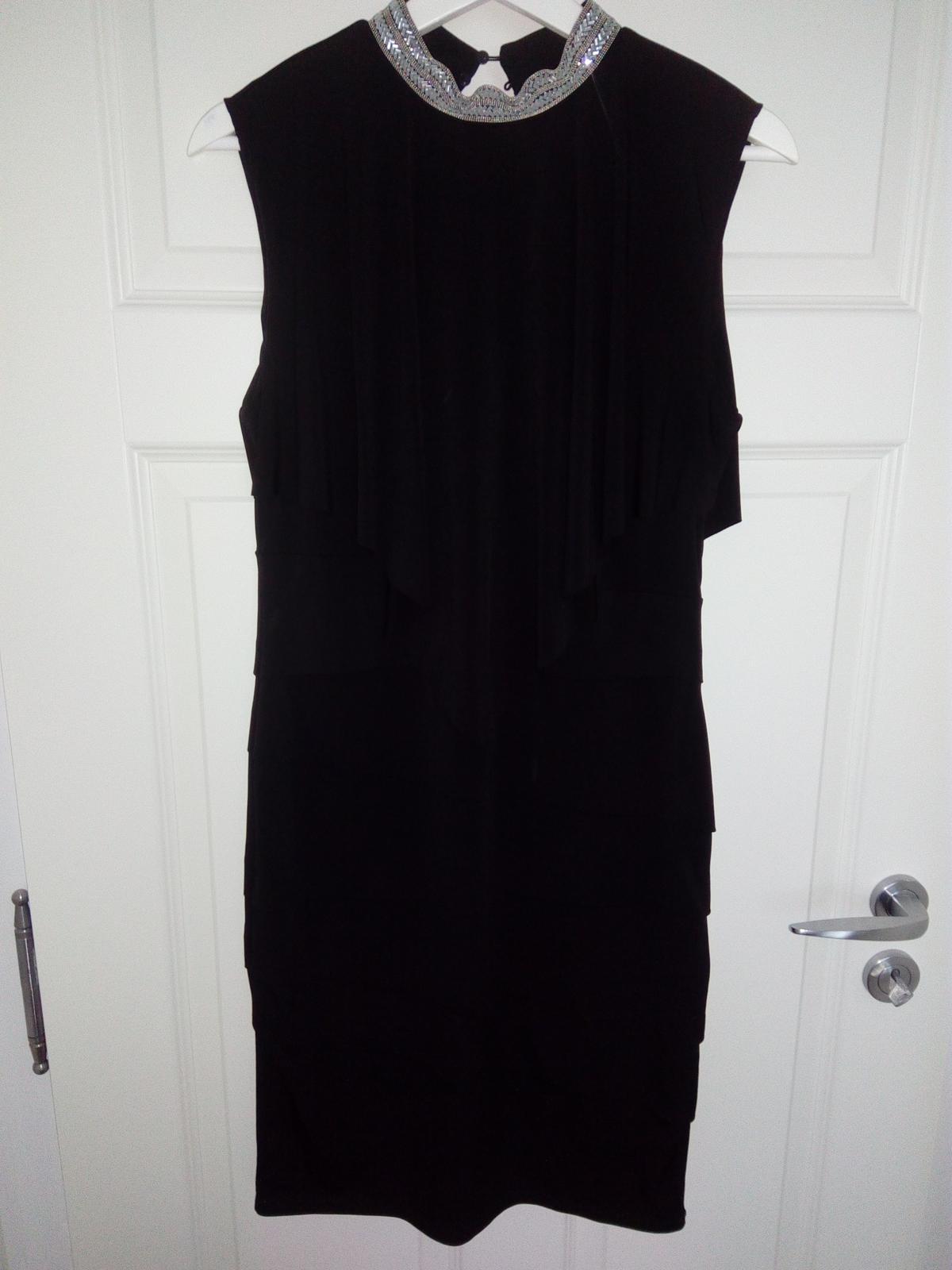 Čierne šaty - Obrázok č. 1