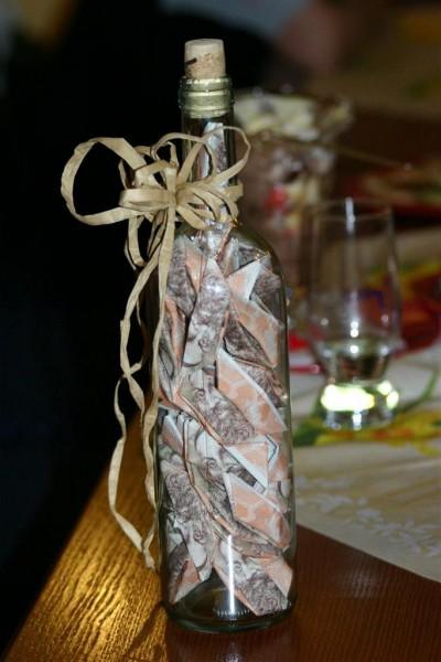 Originálně zabalené peníze jako dárek - lahvinka
