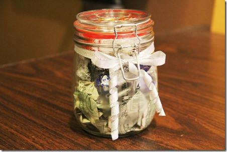 Originálně zabalené peníze jako dárek - místo džemu :)