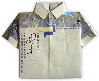 Originálně zabalené peníze jako dárek - ženichova košile