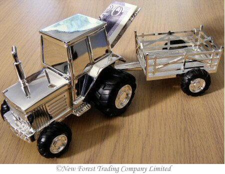 Originálně zabalené peníze jako dárek - traktor