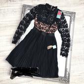 Luxusné krajkové šaty s plísovanou sukňou, 38