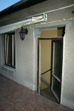 Zvětšený otvor - pohled z terasy.