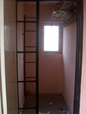 Spíž, která se zruší, dveře zazdí a díky tomu se protáhne koupelna.
