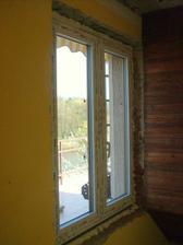 26.4.2012 - Nová okna jsou na místě :-) . Okno nad schody.