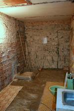 11.5.2012 - Zabetonované podlah. topení.