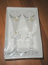 Poháre...tieto sú jednoduché, zdá sa mi zbytočné dávať peniaze do poháre, kt. budú potom niekde odložené a zaprášené  :)