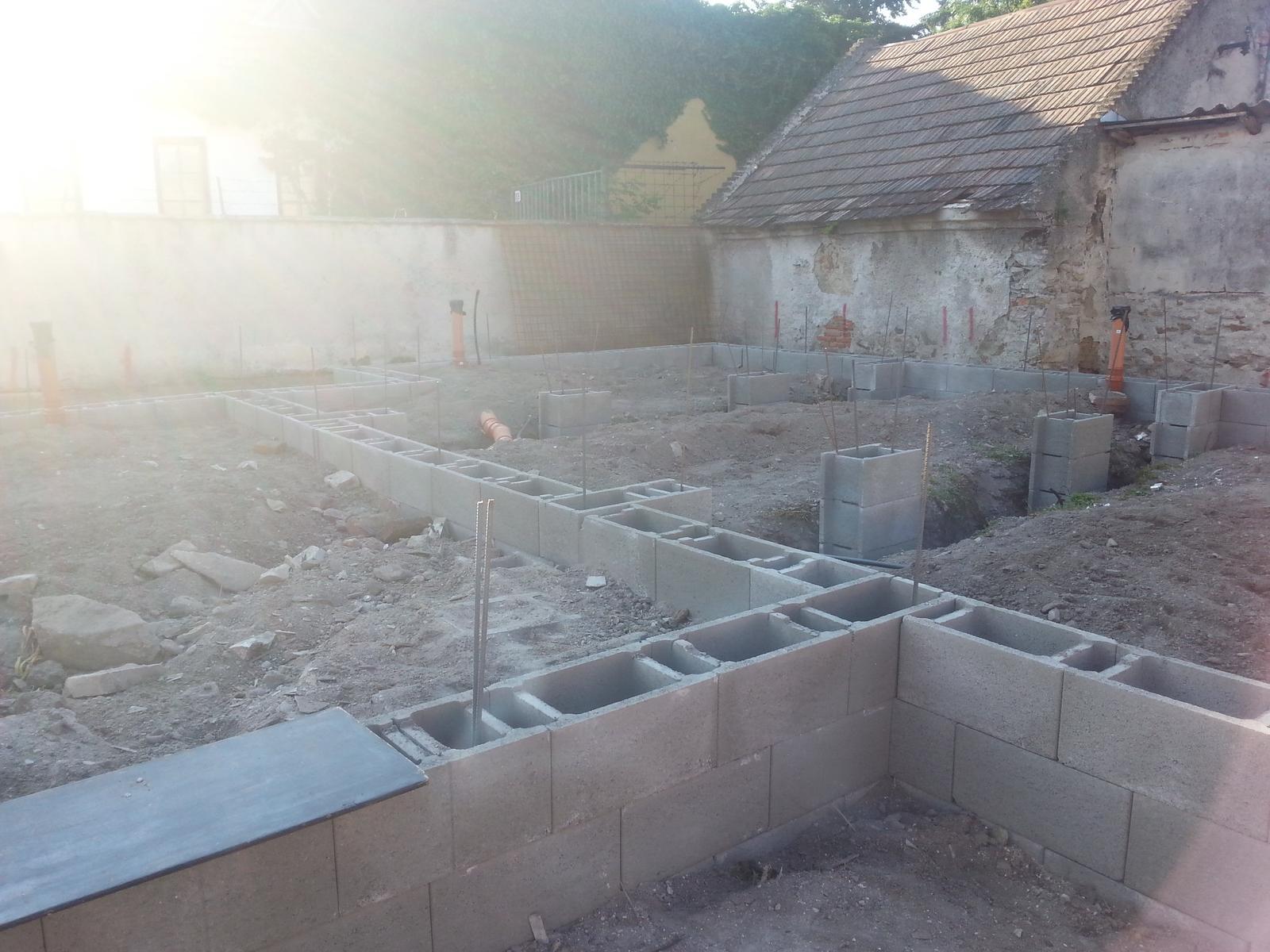 Naša stavba bungalou Salichat - Obrázok č. 6