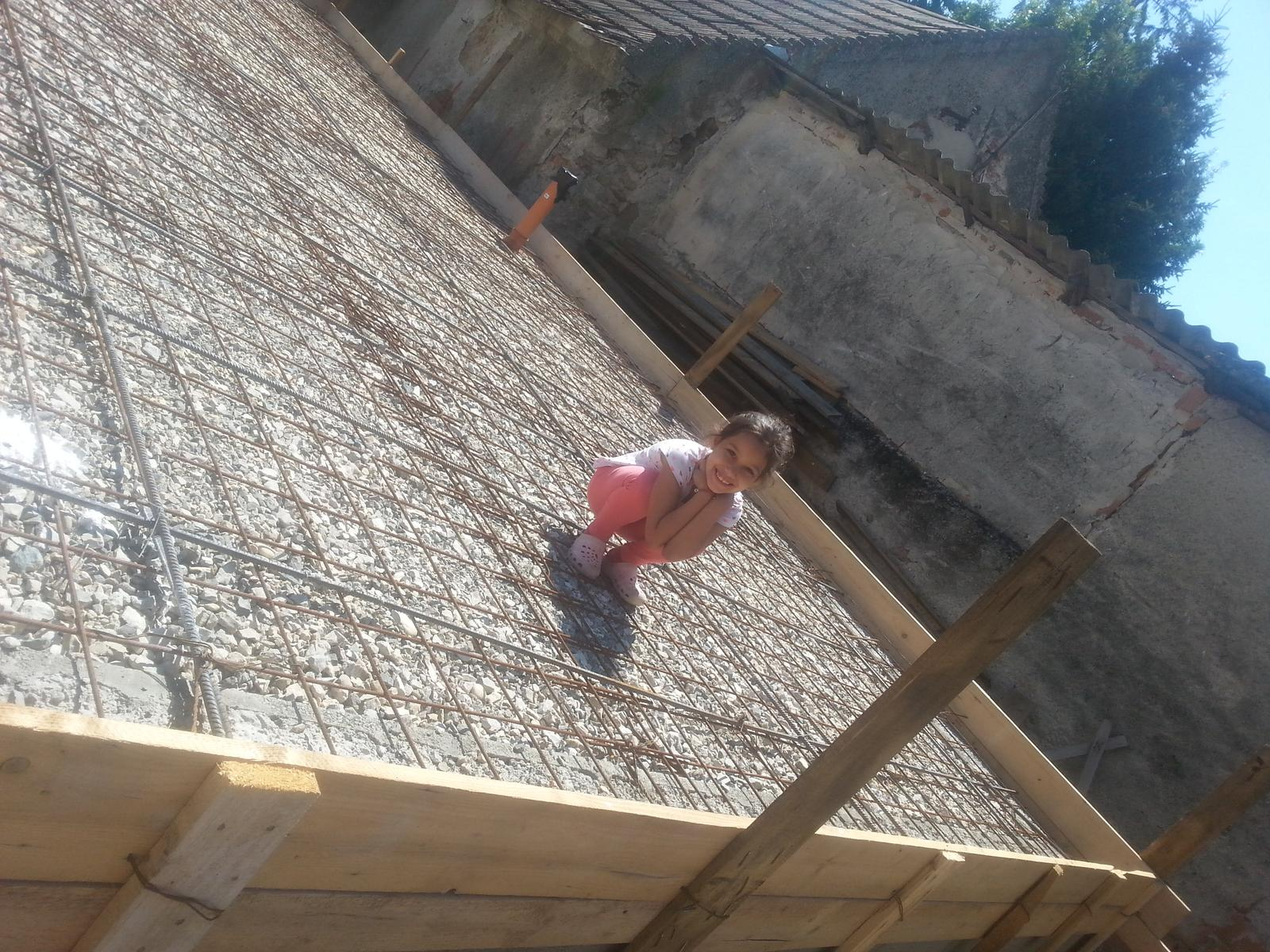 Naša stavba bungalou Salichat - Romankyna dedska izbycka <3