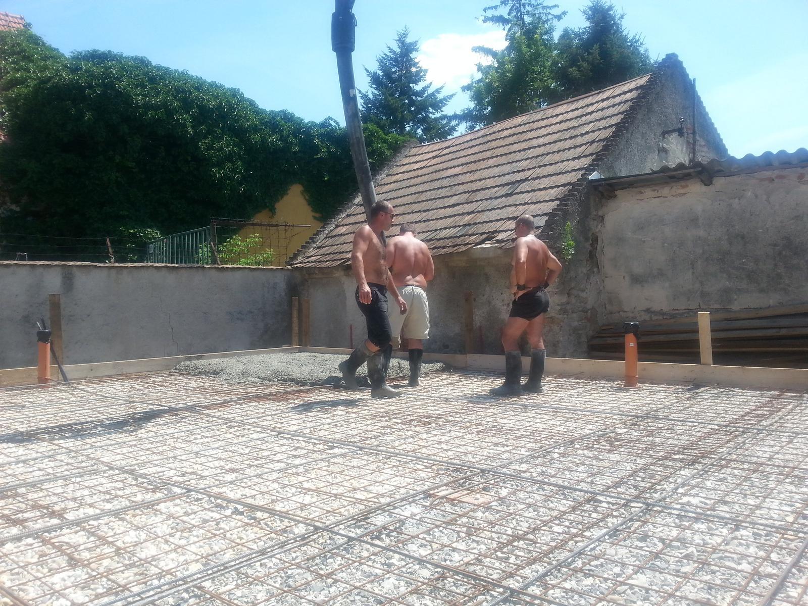 Naša stavba bungalou Salichat - makaju za necelú hod spravene