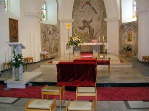 krásný oltář