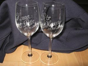 už mám poháry, první svatební dar