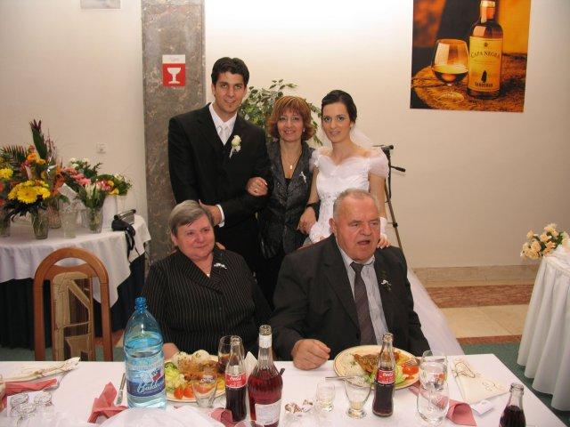 Aneta Markovičová{{_AND_}}Dávid Beláň - s babou, dedkom a tetou Adrianou