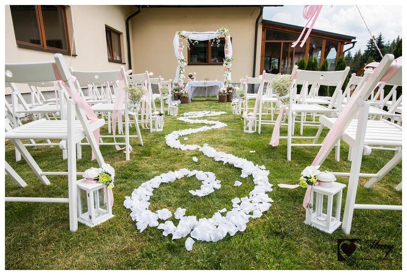 Skladacie stoličky pre svadbu na záhrade - Obrázok č. 4