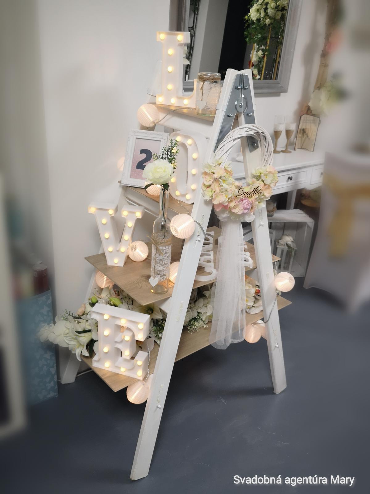 Dekoračný rebrík - stojan policovy - Obrázok č. 2