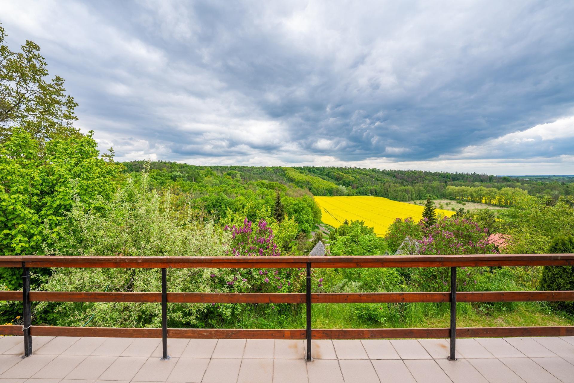Chata - Košátky 2021 - Výhled z terasy...