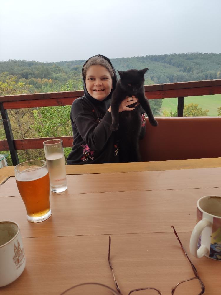 Chata - Košátky 2021 - Máme kocoura...tak nějak si nás adoptoval . Jmenuje se Kocour