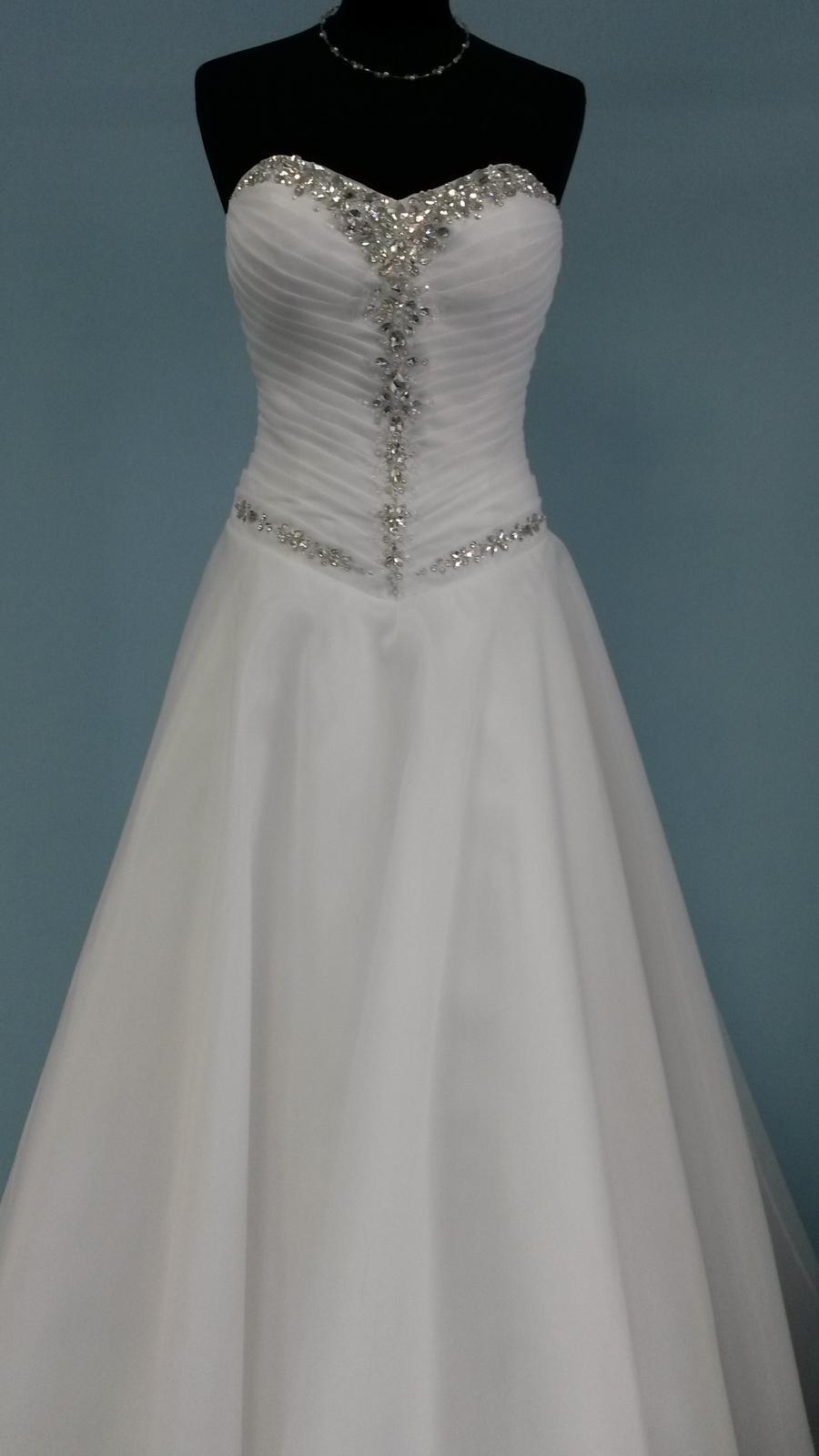 Predávam tieto šaty, sukňa... - Obrázok č. 1
