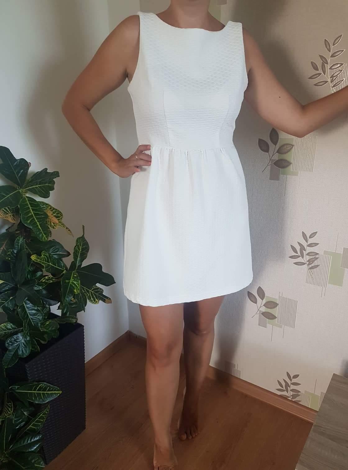 Krátke biele šaty - Obrázok č. 1