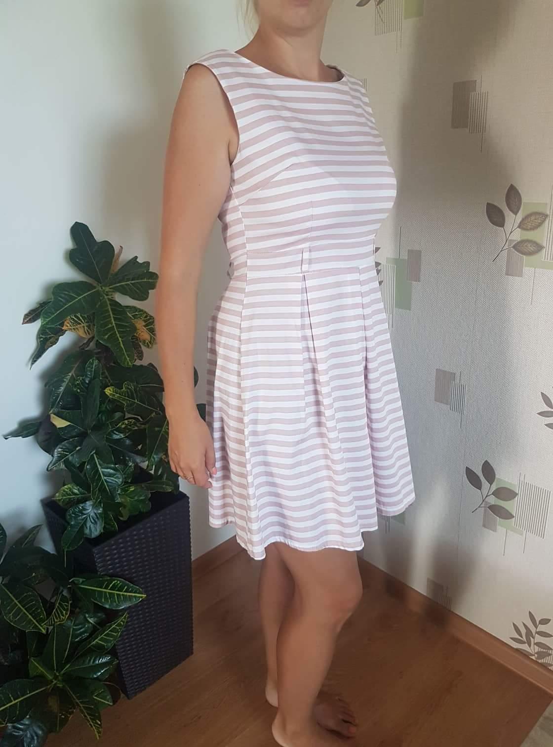 Pásikavé šaty.  - Obrázok č. 1