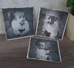 Naše láska :-) obrázky na dřevěné desticce do pokojíčku, ještě budou spojené provázkem
