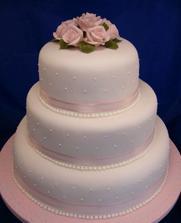 takáto torta objednaná ... ale v zlatej farbe