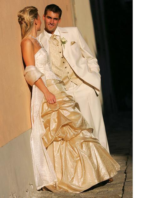 Silvia a Massimo - biely oblek je fajn ...