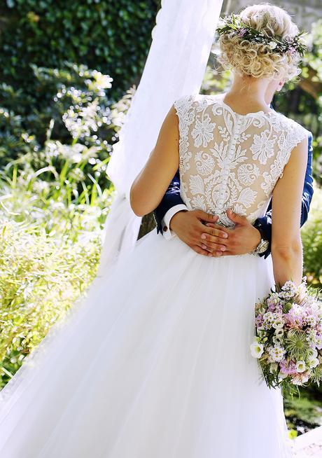 Svatební šaty šampaň - Obrázek č. 1