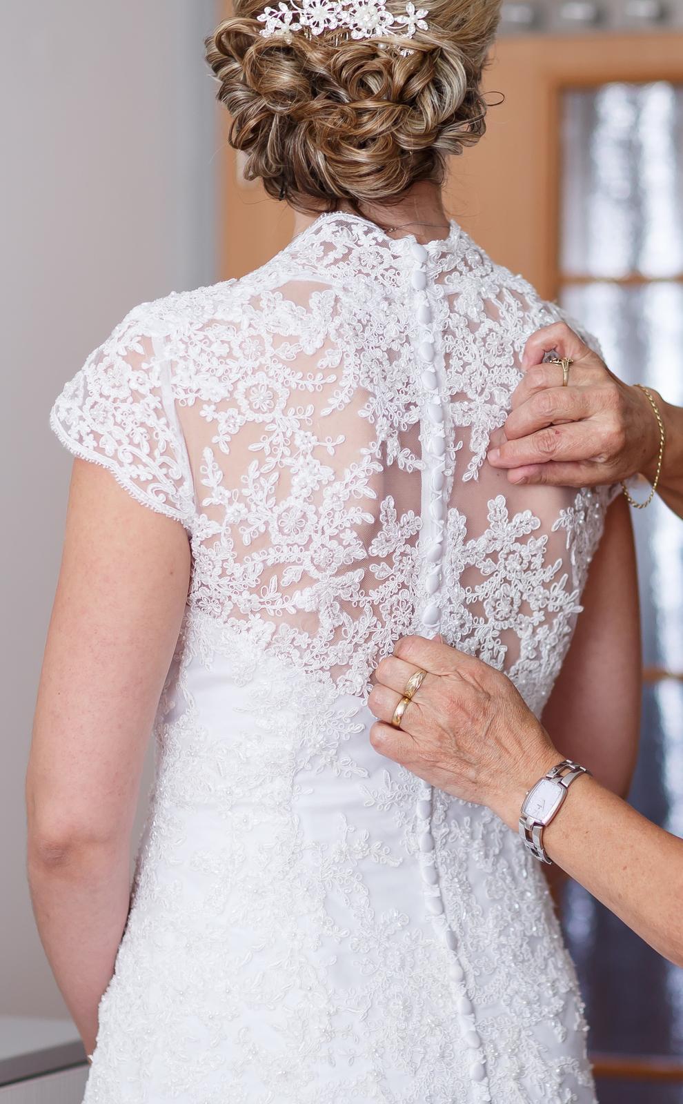 Svadobné šaty čipkované veľkosť 40-42 - Obrázok č. 2