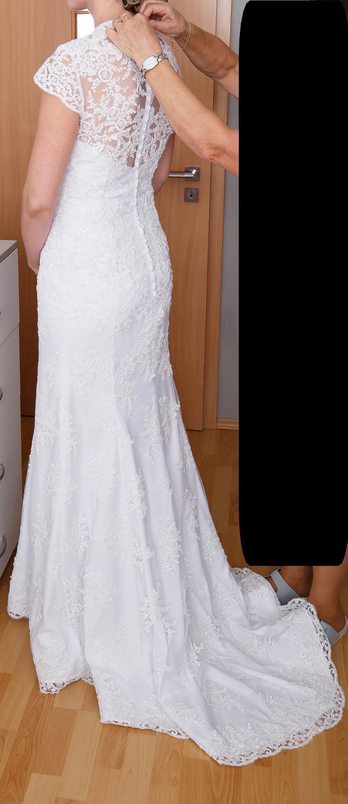 Svadobné šaty čipkované veľkosť 40-42 - Obrázok č. 1