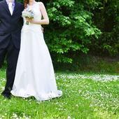 Jednoduché, pohodlné svadobné šaty, 38