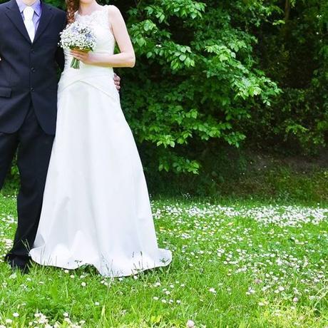 Jednoduché, veľmi pohodlné svadobné šaty - Obrázok č. 1