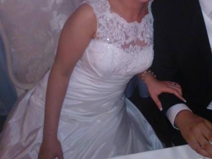 Jednoduché, veľmi pohodlné svadobné šaty - Obrázok č. 3
