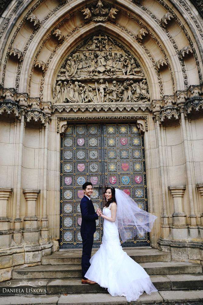 Pohodové svatební focení s vizážistkou Katkou a talentovanou fotografkou Danielou Liškovou - Obrázek č. 2