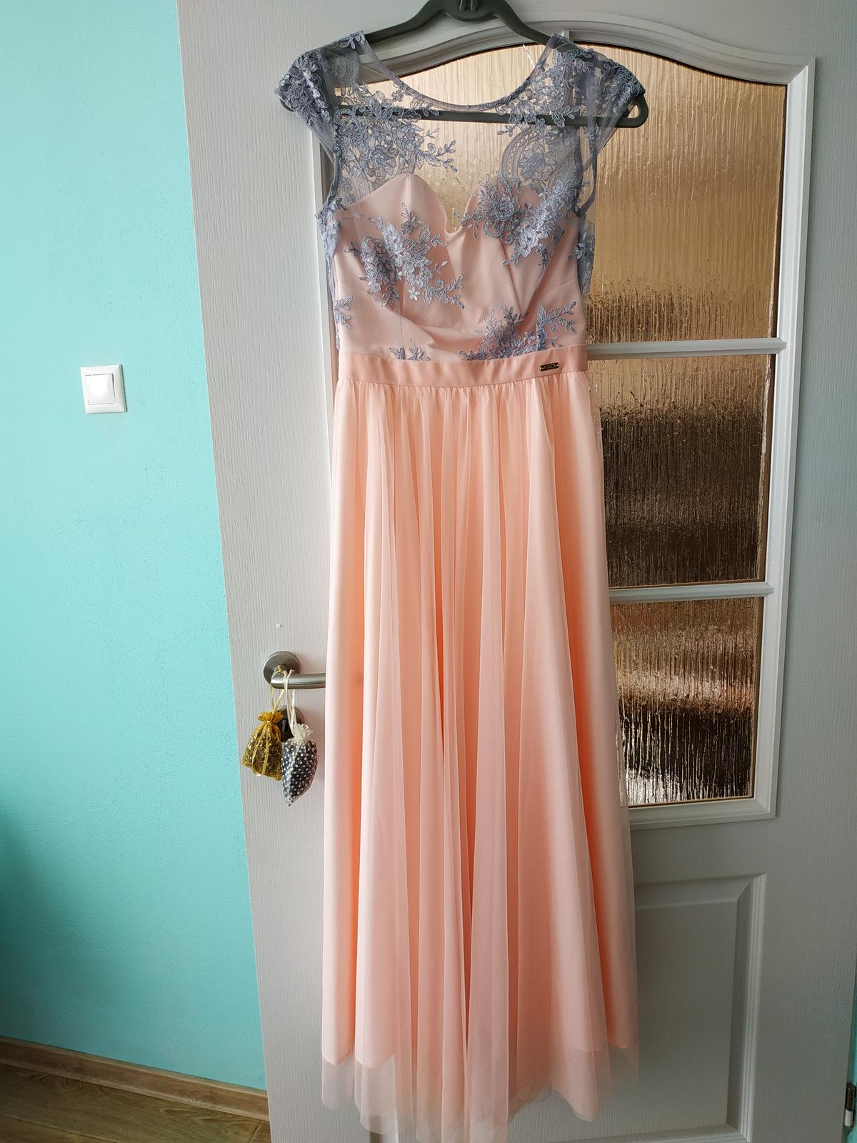 Dlhé ružové šaty - Obrázok č. 3