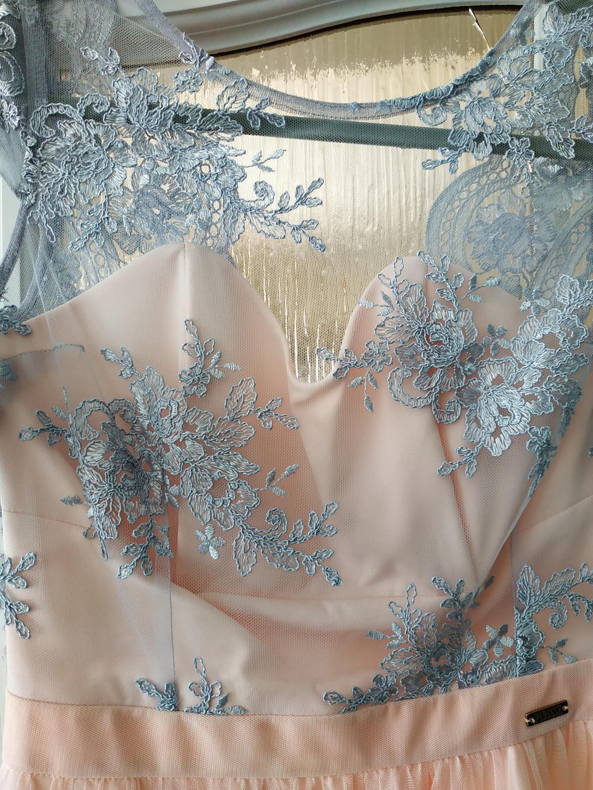 Dlhé ružové šaty - Obrázok č. 4