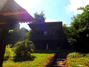 v létě to milujeme :-) a letos v plánu obrousit a natřít :-)