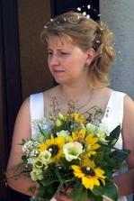 Nevěsta s kytkou připravena