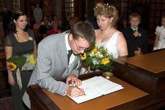 ještě manželův podpis